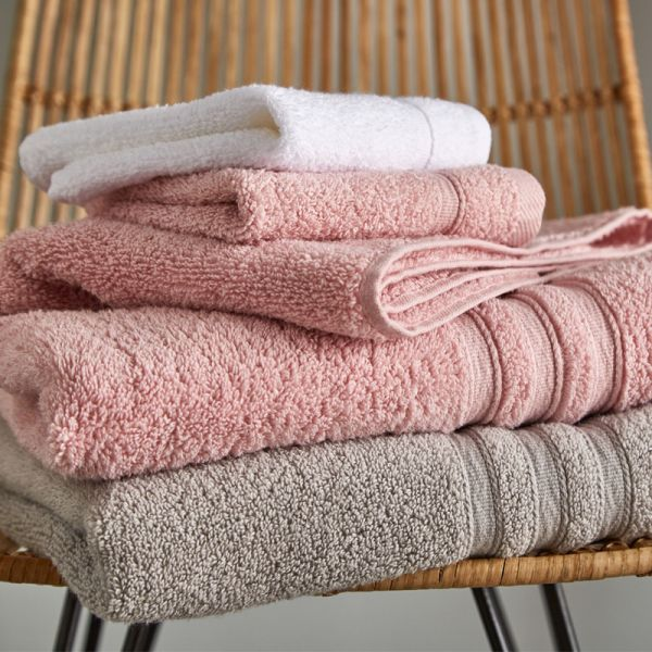 Catherine Lansfield Zero Twist Towels Pink